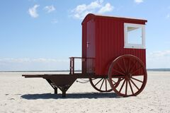 Vintage wooden wagon on beach Royalty Free Stock Photos