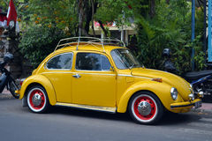 Vintage Yellow Volkswagen Beetle Royalty Free Stock Image
