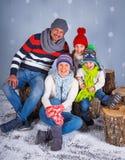 vinter för mode för bakgrund härlig isolerad vit flicka lycklig familj Arkivfoto