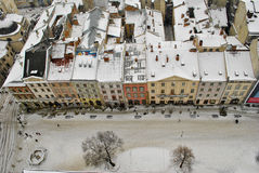 vinter för stadshustornsikt Arkivfoto