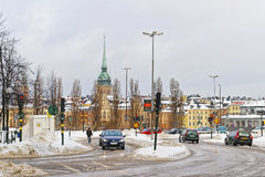 Vinter Gamla Stan och kyrka av helgonet Clare i Stockholm Arkivfoto
