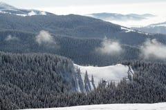 Vinter i bergen! Arkivfoton