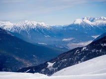 Vinter i de österrikiska fjällängarna Royaltyfri Foto