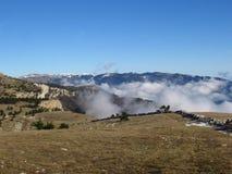 Vinter i de Crimean bergen Arkivfoton