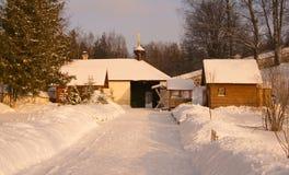 Vinter i den Svyatogorsk kloster Arkivfoton