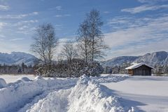Vinter i Isarwinkel nära dåliga Toelz royaltyfri bild