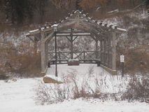 Vinter i parkerasammankomststället Arkivfoto