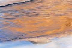 Vinter Kalamazoo flodreflexioner Fotografering för Bildbyråer