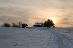 Vinter Landschaft, Berghuette i hålan Bergen Royaltyfria Foton