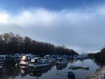 Vinter sjö med fartyg Royaltyfria Foton