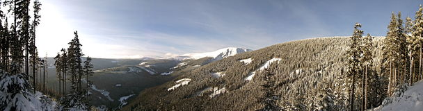 Vinterdag i bergen Royaltyfri Fotografi