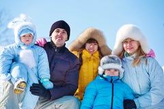 Vinterfamilj Royaltyfri Foto