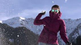 Vinterferier i bergen stock video