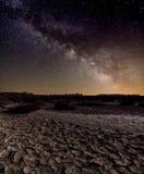 Vintergatan över öknen Royaltyfri Bild