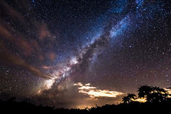Vintergatan över Maui Arkivfoto