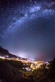 Vintergatan Härlig sommarnatt på havet Fotografering för Bildbyråer