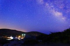 Vintergatan och segelbåtar fotografering för bildbyråer