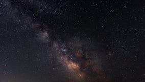 Vintergatan på himlen för stjärnklar natt royaltyfria foton