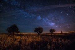 Vintergatan på mörk himmel Alqueva Fotografering för Bildbyråer