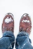 Vinterkängor i snö Royaltyfria Bilder