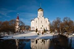 Vinterkyrka. Vitryssland Fotografering för Bildbyråer