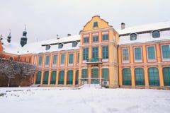 Vinterlandskap av abbotss slott i Oliwa Royaltyfri Fotografi