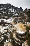 Vinterlandskap i bergen Arkivbild