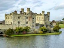 Vinterlandskap i England, Leeds Castle Härlig engelsk slott, Maidstone, Kent arkivbilder