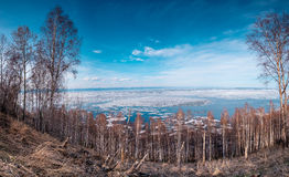 Vinterlandskap, Lake Baikal royaltyfria foton