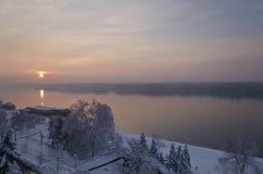 Vinterlandskap nära stadslisten Royaltyfri Foto