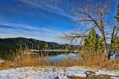 Vinterlandskap och sjö Arkivfoton