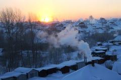 Vintermorgon i Sibirien royaltyfria foton