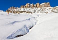 Vintern beskådar av den Sella gruppen, Dolomites, Italien Royaltyfria Bilder