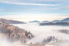 Vintern landskap i bergen royaltyfri fotografi