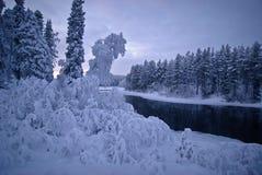 Vintersaga i nordliga Karelia arkivfoto