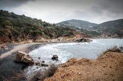 Vintersikt av den Terranera stranden, på Elba Island royaltyfri foto