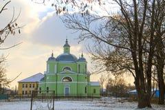 Vintersikt av kyrkan arkivbilder