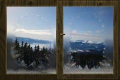 Vintersikt från ett fönster Arkivfoton