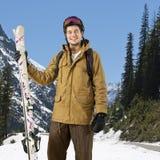 Vinterskog med skidåkare Royaltyfria Foton