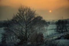 Vintersolnedgång över Aachen, Tyskland royaltyfri fotografi