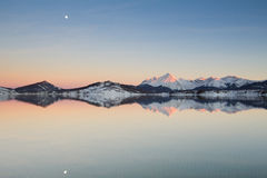 Vintersolnedgång i Abruzzo Royaltyfri Bild