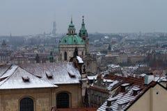 Vintertak i Prague Arkivfoton