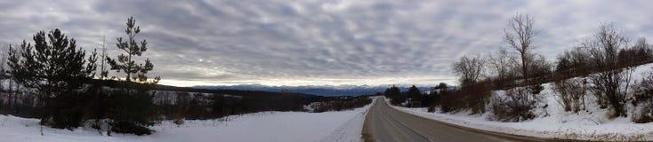 Vintervägpanorama Fotografering för Bildbyråer