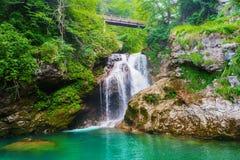 Vintgar för summavattenfallRadovna flod klyfta Slovenien royaltyfri fotografi