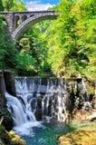 Vintgar wąwozu jar z drewnianymi klepnięciami, piękno natura, Krwawił, Slovenia zdjęcia royalty free