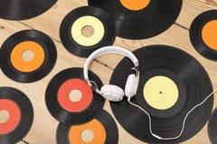 Vinyl och hörlur Royaltyfria Bilder