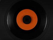 Vinyl på ett mattt rubber uppläggningsfat för skivspelare Arkivfoto