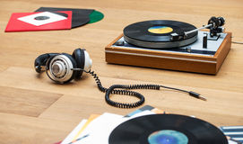 Vinyl record player and head set Royalty Free Stock Photos