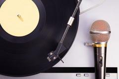 Vinyl retro cellphone Retro audio in studio Royalty-vrije Stock Afbeelding