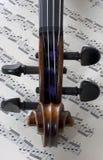 Violín y música Imágenes de archivo libres de regalías